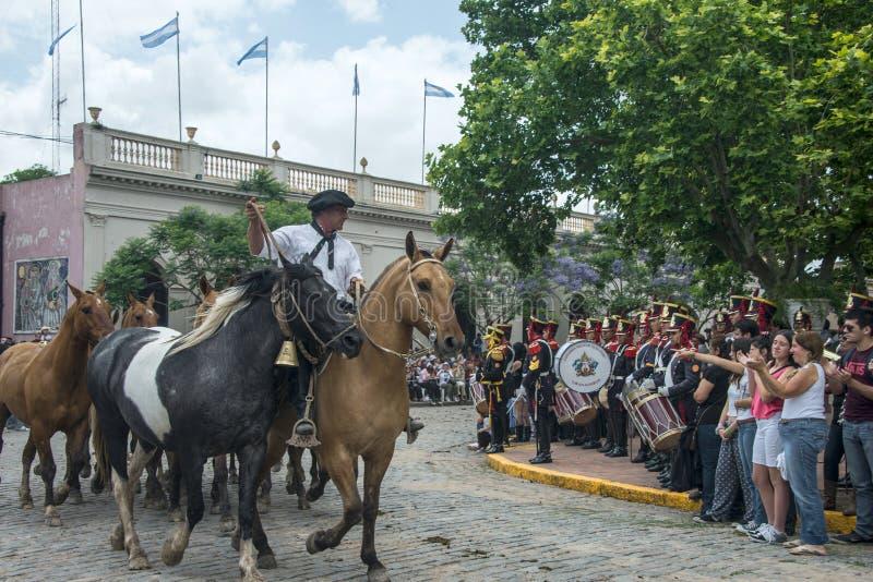 传统印第安人混血儿赴宴西班牙语- Fiesta de la Tradicion  库存图片