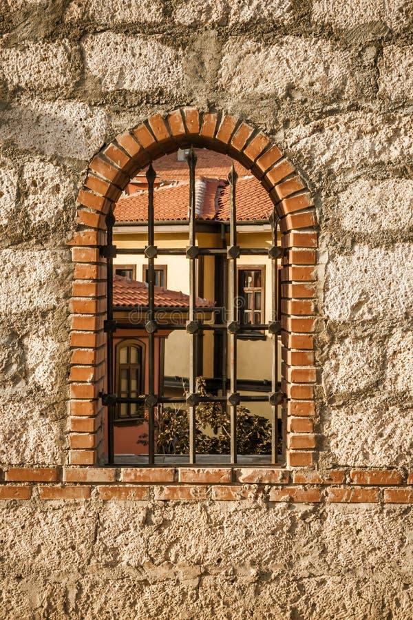 传统土耳其议院的庭院窗口从Odunpazari, ES的 库存照片