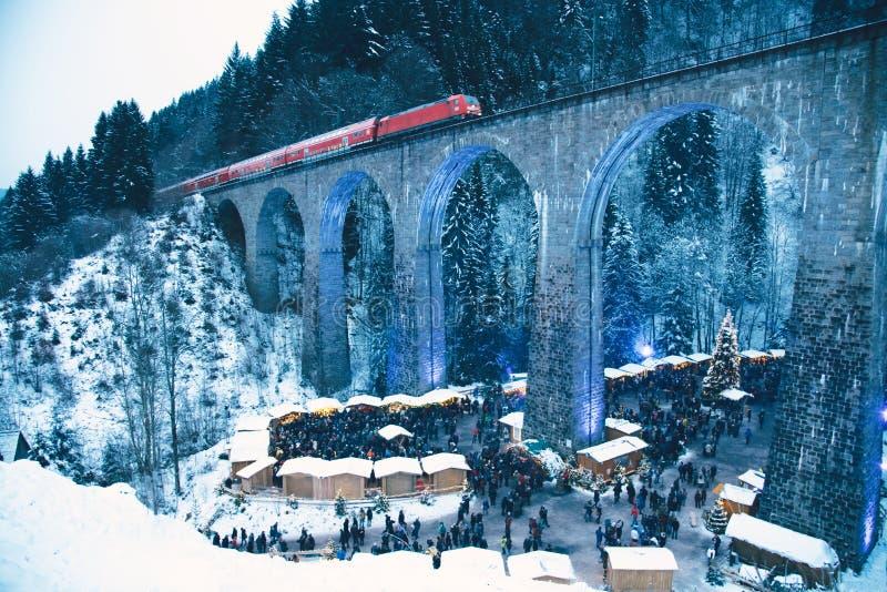 传统圣诞节市场在拉韦纳峡谷,德国 库存照片