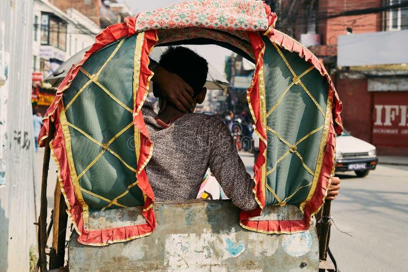 传统尼泊尔人力车 库存图片