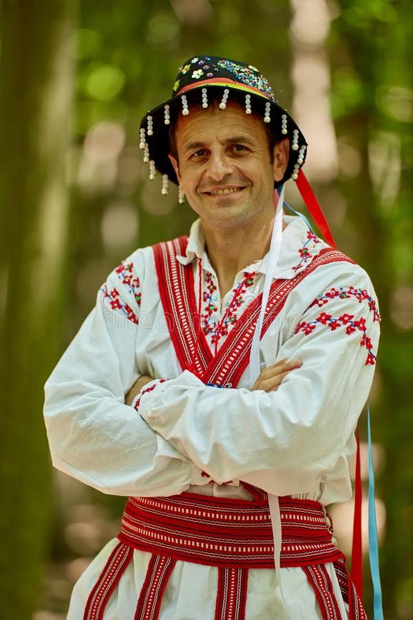 传统服装的罗马尼亚人 库存照片