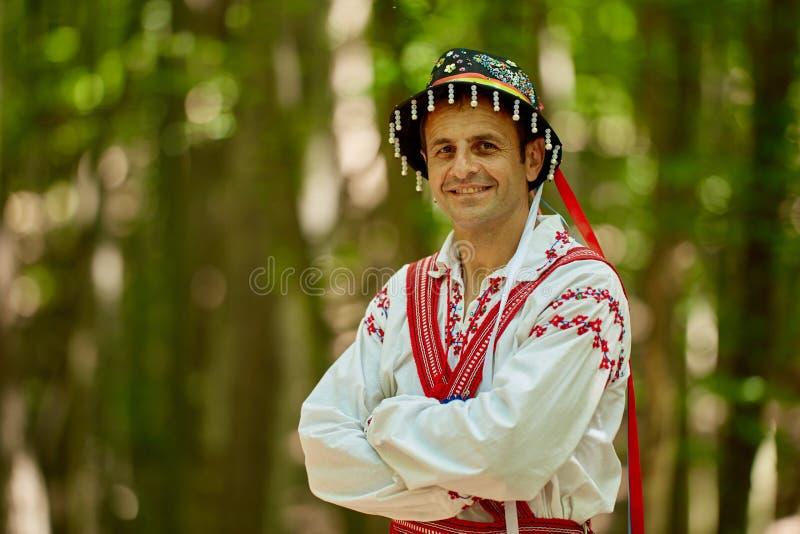 传统服装的罗马尼亚人 免版税库存照片