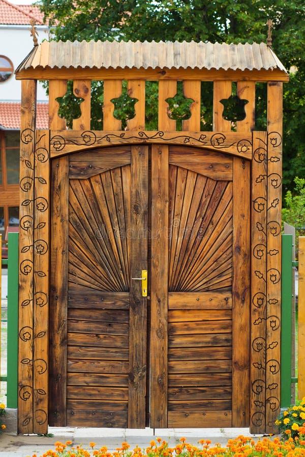 传统木门 库存照片