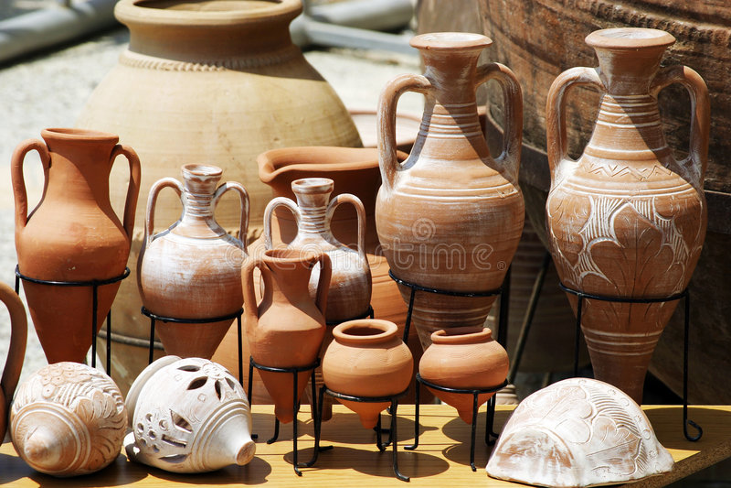 传统的泥罐 库存图片
