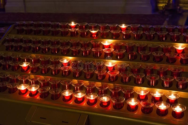 传统红色蜡烛 免版税库存照片