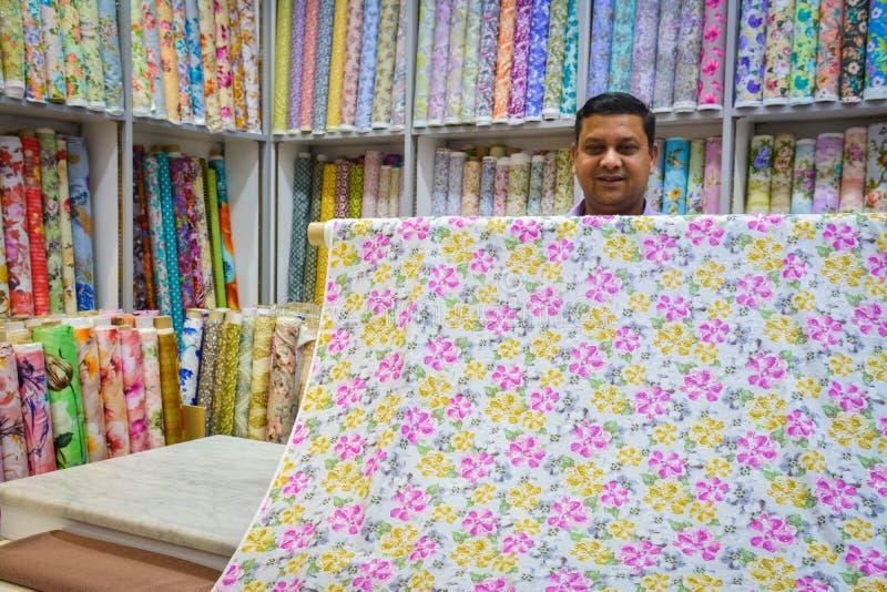 传统织品纺织品商店花卉图案 免版税库存图片