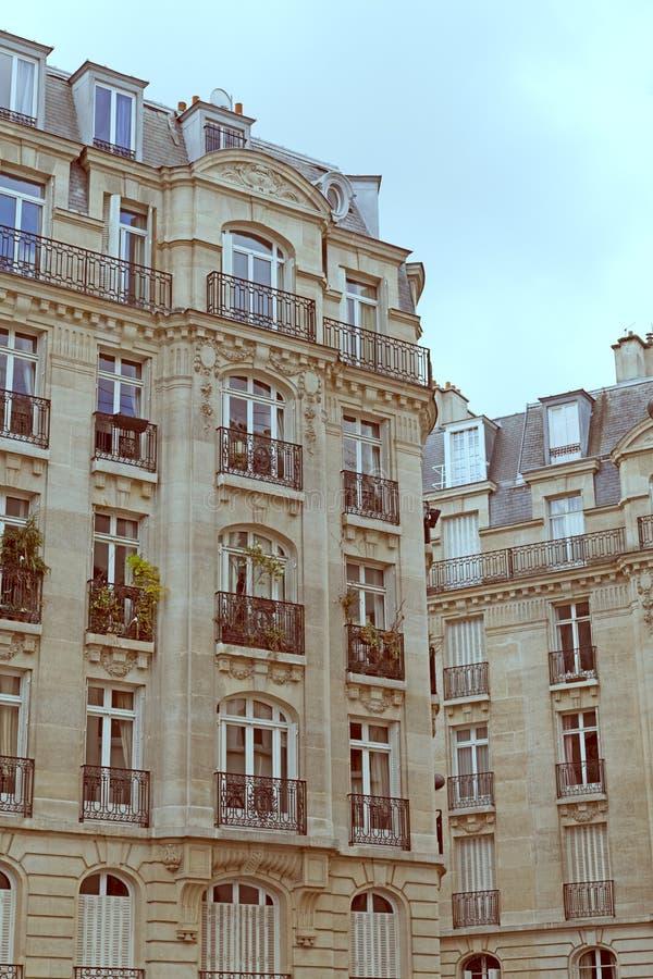 传统编译的居住的巴黎 库存图片