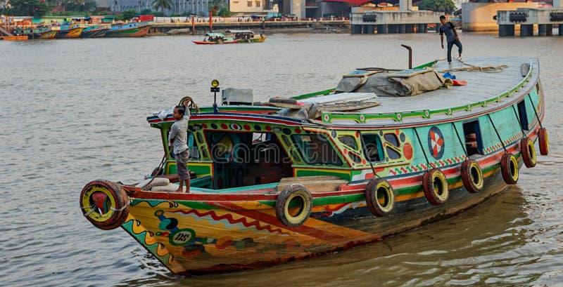 传统船在巴邻旁,印度尼西亚 免版税库存照片