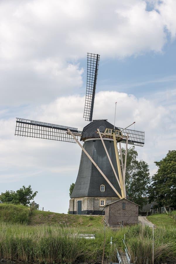 传统荷兰语风车 库存照片