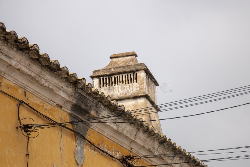 传统葡萄牙烟囱 库存图片