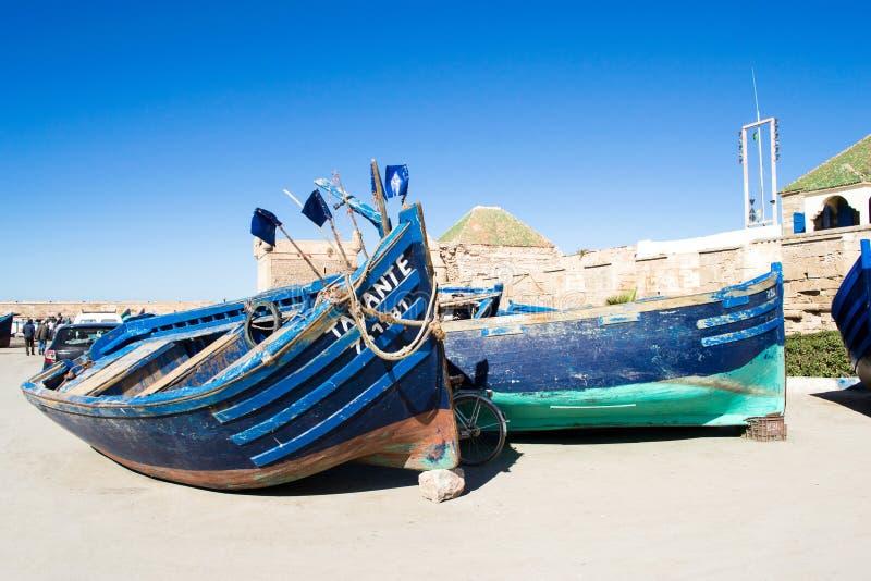 传统蓝色小船在索维拉,摩洛哥 库存照片