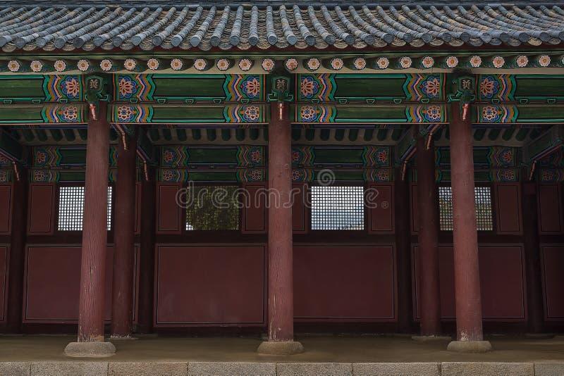 传统走廊柱子 免版税库存图片