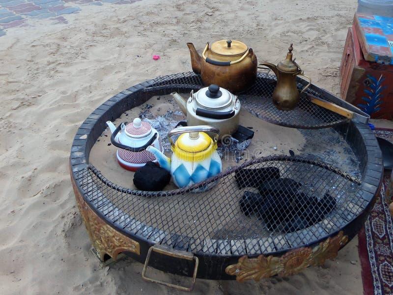 传统阿拉伯便携式的壁炉边 免版税库存照片