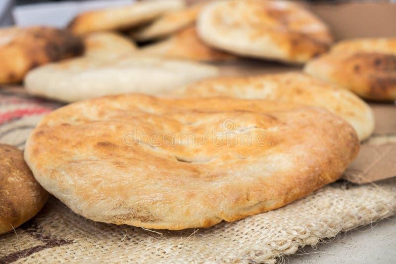 传统阿拉伯面包-皮塔饼 免版税库存图片