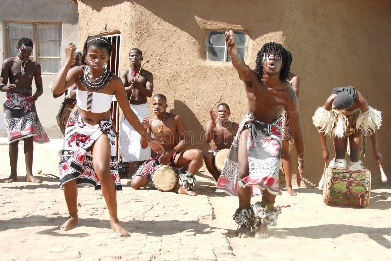 传统非洲的舞蹈演员 免版税库存照片