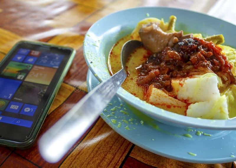 传统食物'lontong'著名在马来的国家 免版税图库摄影