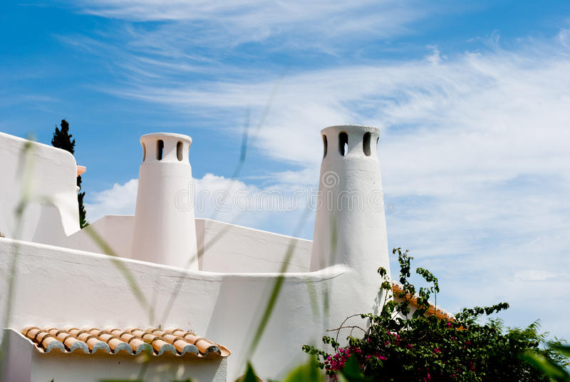 传统algarve葡萄牙拉斐尔屋顶的圣地 库存图片