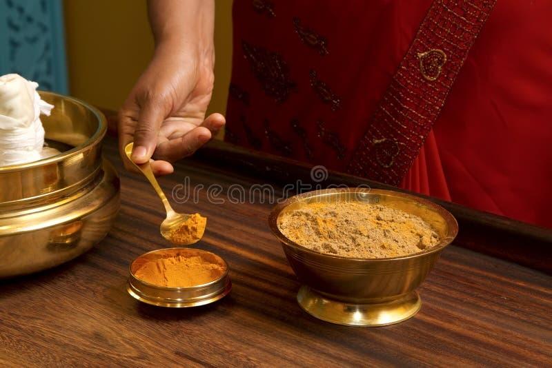 传统ayurvedic印第安的按摩 库存图片