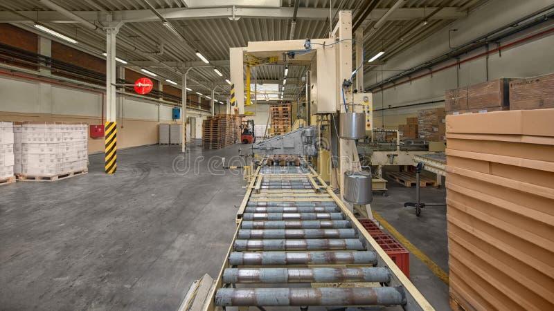 传送带在工厂 免版税图库摄影