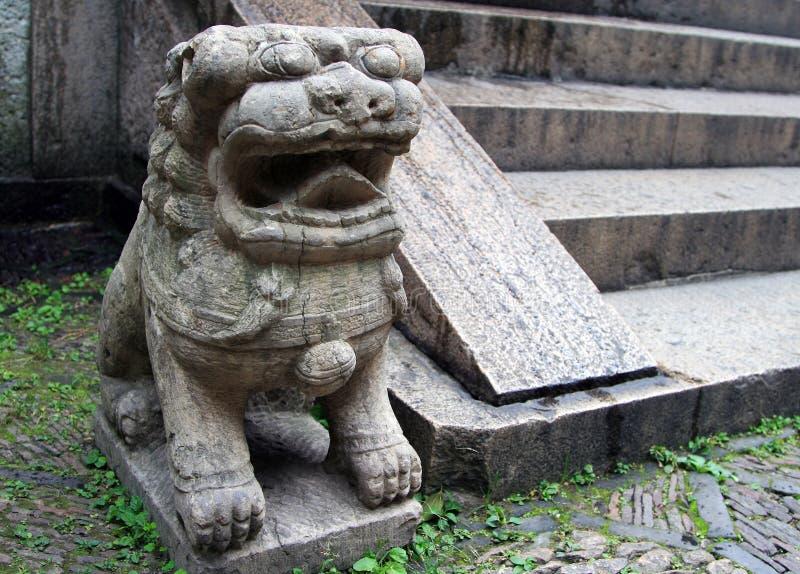 传统中国狮子的石头 免版税库存图片