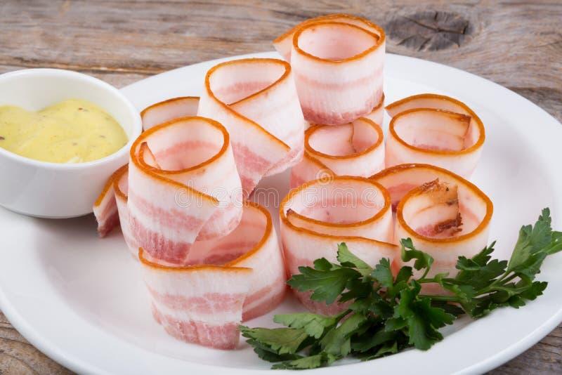 传统乌克兰类熏制的烟肉猪油 免版税库存照片