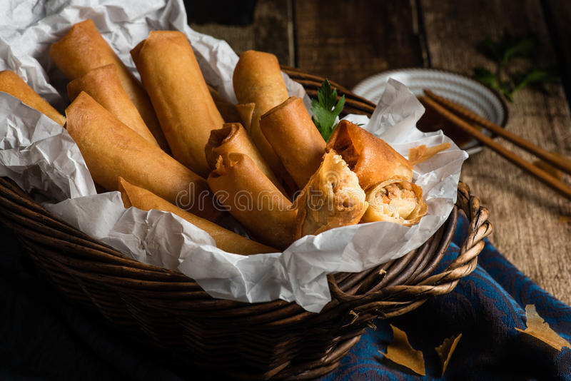传统亚洲人油煎的弹簧劳斯用调味汁 免版税库存图片