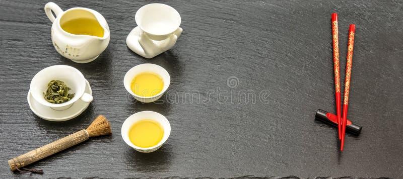 传统亚洲茶道的碗筷 食物和饮料 免版税库存图片
