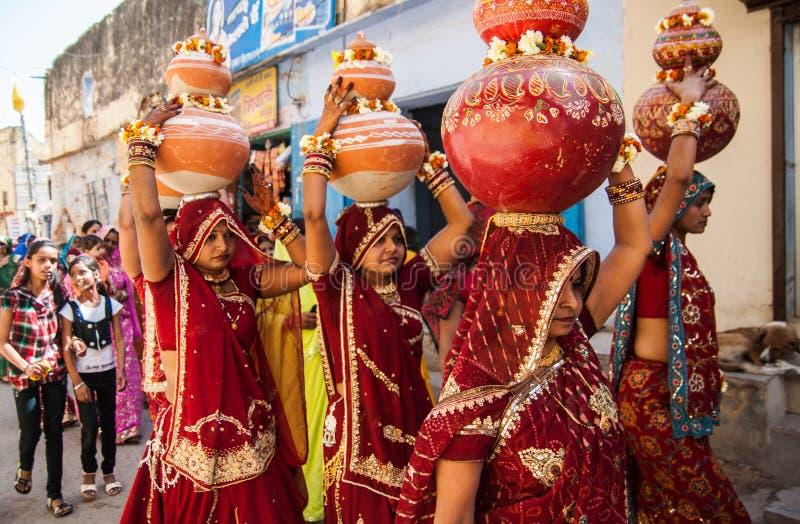 传统印地安婚礼在拉贾斯坦,印度 免版税图库摄影