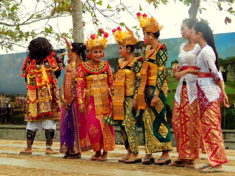 传统巴厘语舞蹈家 库存图片