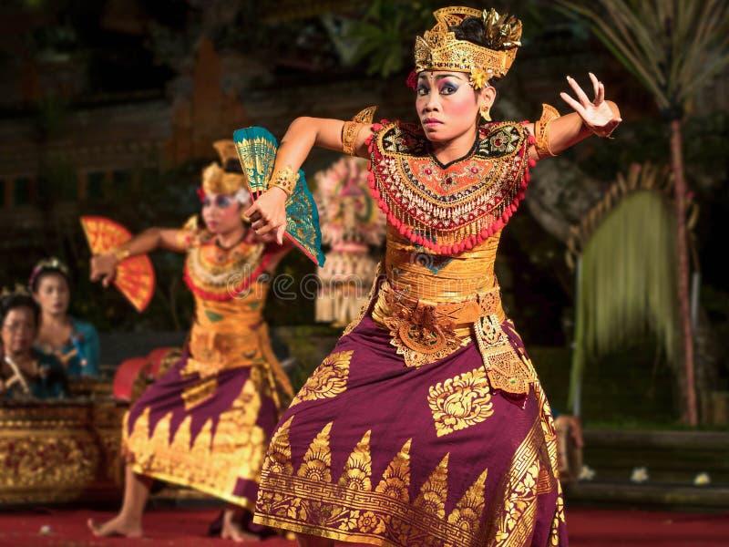 传统巴厘语Legong舞蹈表现在Ubud,巴厘岛 库存图片