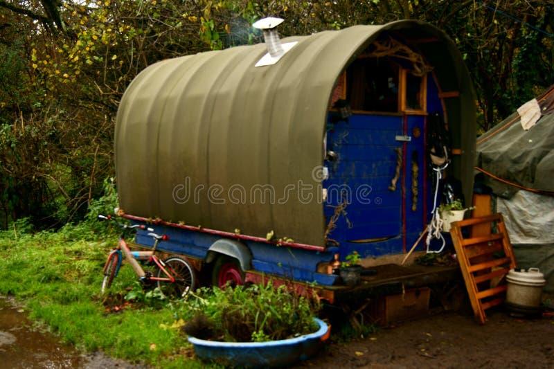 传统吉普赛人吉普赛有蓬卡车, Totnes,德文郡,英国 免版税库存照片