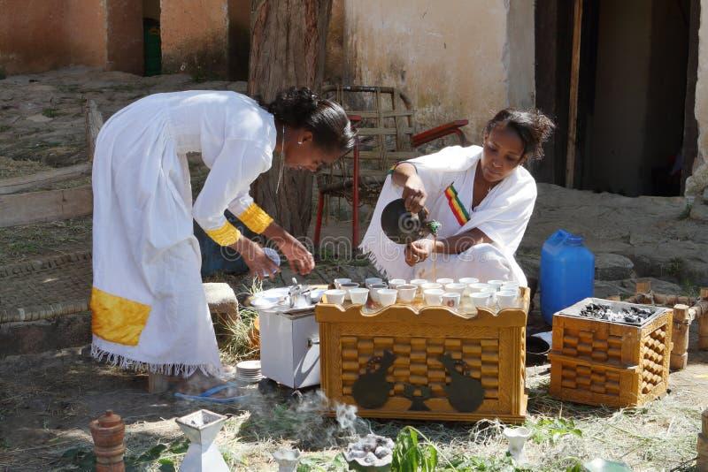 传统咖啡仪式在埃塞俄比亚 图库摄影