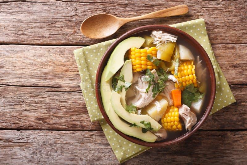 传统哥伦比亚的ajiaco汤关闭在碗 水平 库存图片