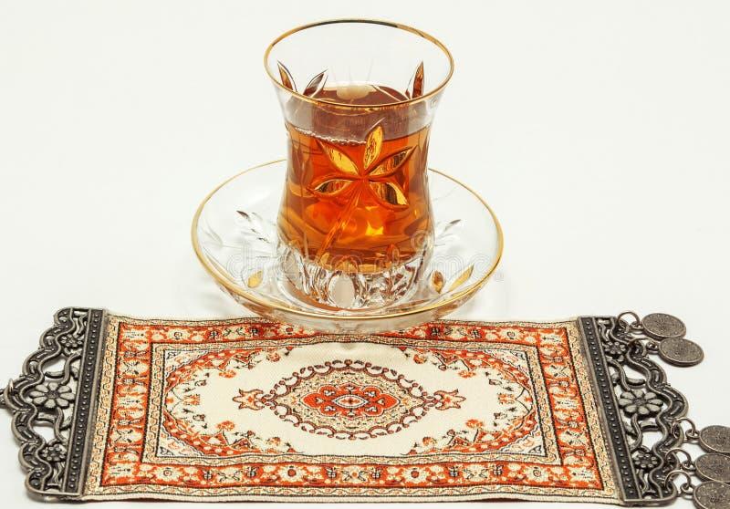 传统土耳其茶具 免版税库存照片