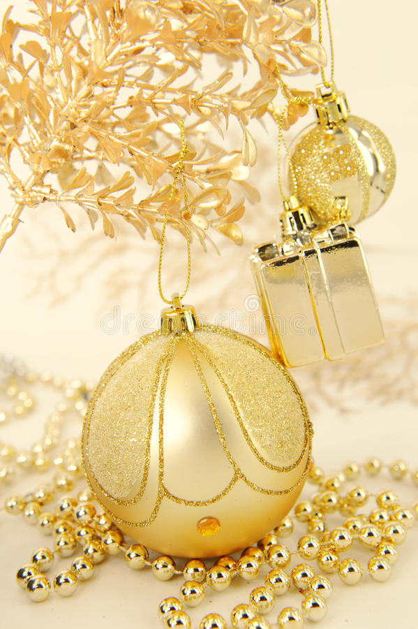 传统圣诞节球 免版税库存照片