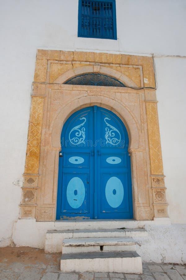 传统家,突尼斯,突尼斯的典型的地方门 免版税图库摄影