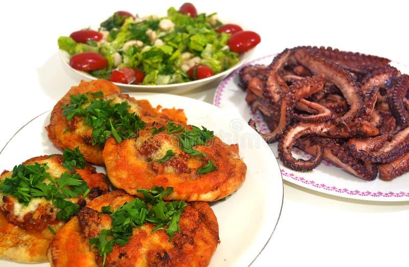 传统希腊食物-干净的星期一食物 库存图片