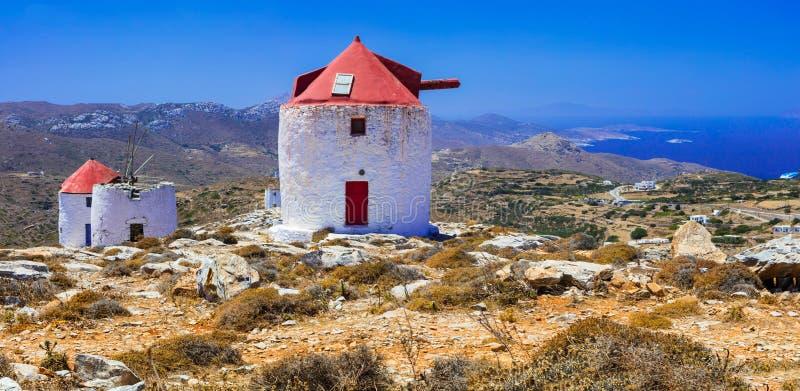 传统希腊-阿莫尔戈斯岛海岛风车  图库摄影