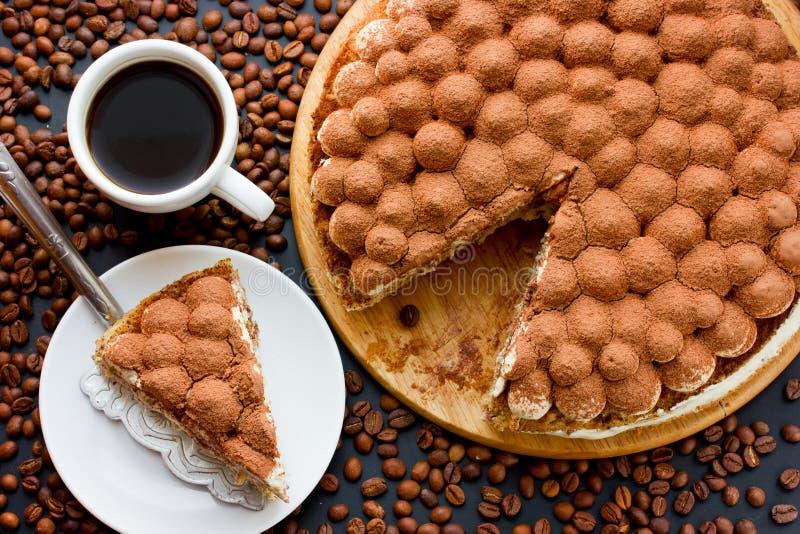 传统意大利点心蛋糕提拉米苏 免版税库存照片
