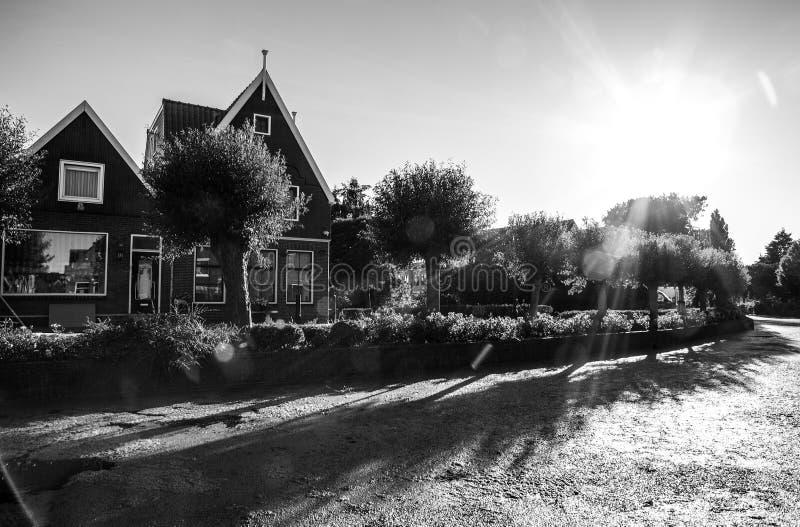 传统房子&街道在荷兰镇福伦丹,荷兰 库存图片