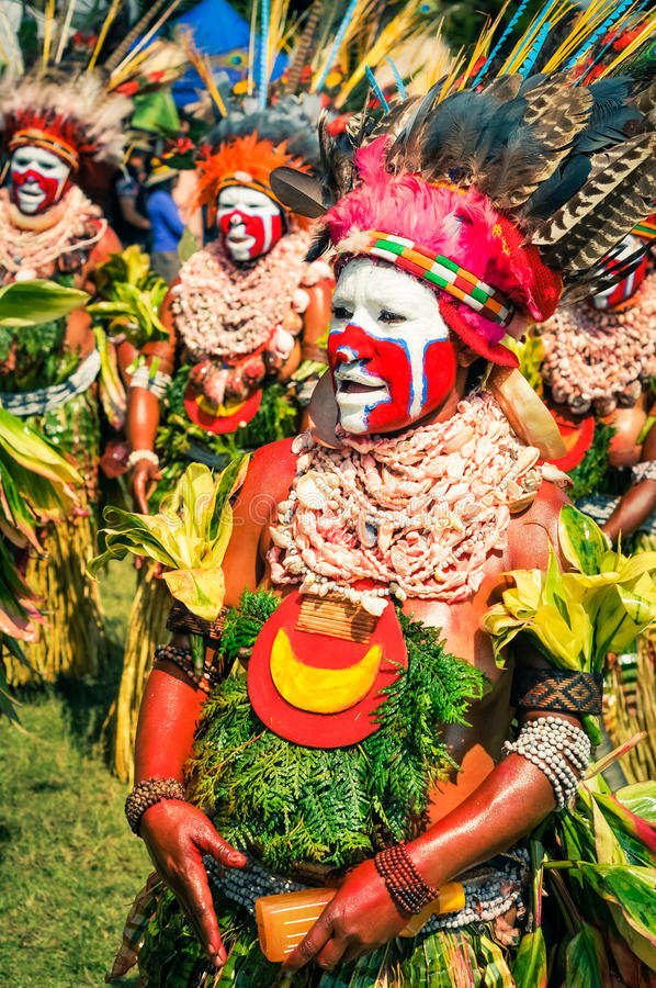 传统服装的妇女在巴布亚新几内亚 免版税库存图片