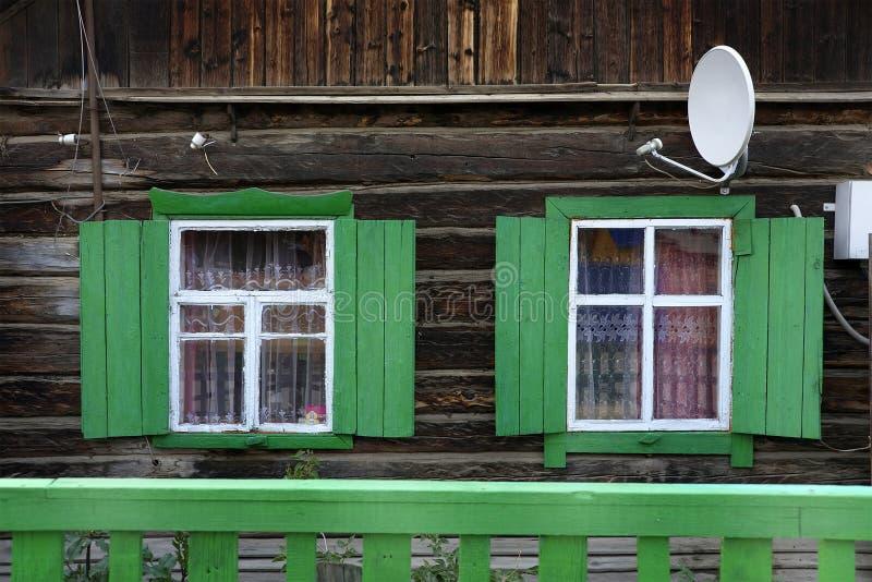 传统木房子,奥尔洪岛, Baikal湖 免版税库存图片