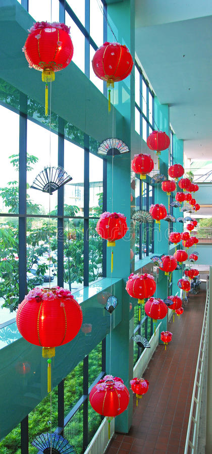 传统朱红色的灯笼 免版税库存照片