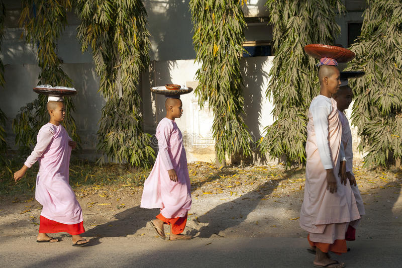 传统缅甸修士 免版税库存照片