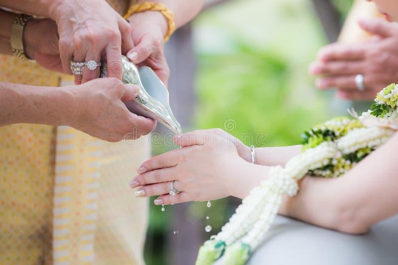 传统泰国婚礼 壳仪式 免版税库存图片