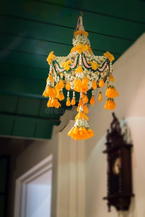 传统泰国花诗歌选垂悬 免版税图库摄影