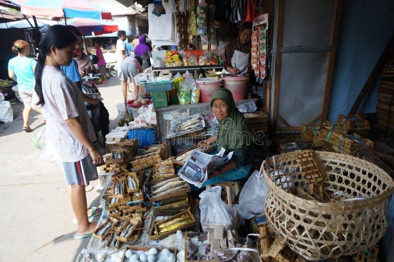 Download 传统的市场 编辑类照片. 图片 包括有 java, 处理, 中央, ,并且, 传统, 采购员, 印度尼西亚 - 62538171