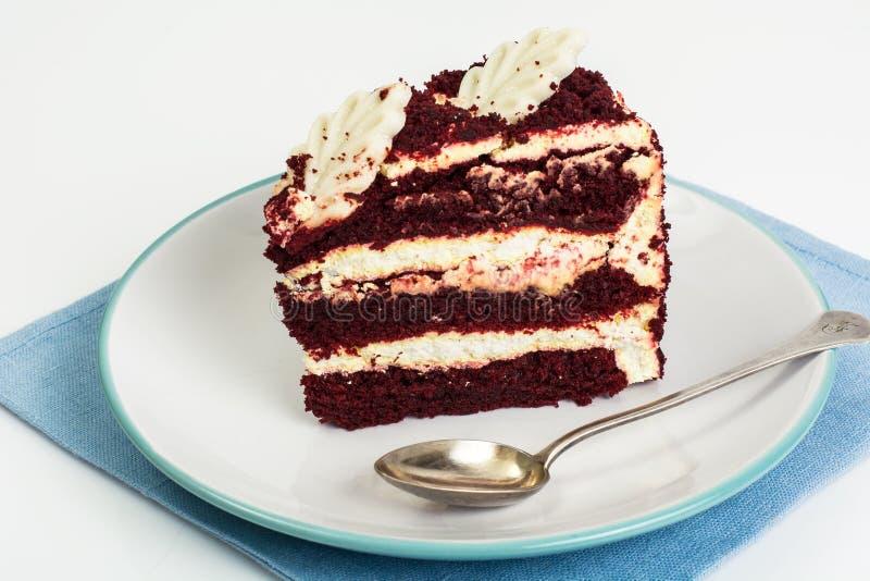 传统美国红色天鹅绒蛋糕 免版税图库摄影