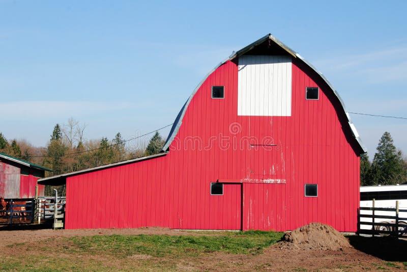 传统美国红色谷仓 库存照片