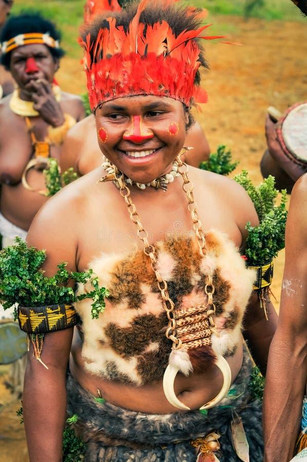 传统舞蹈仪式在巴布亚新几内亚 图库摄影